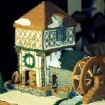Пряничная мельница с колесом