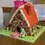 Сахарный пряничный домик