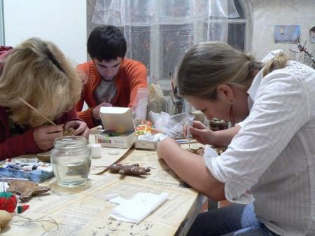Мастер-класс по созданию текстильного пряничного человечка. Шаг 14